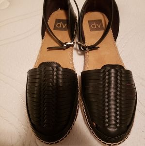 Espadrille flats, sandals with straps